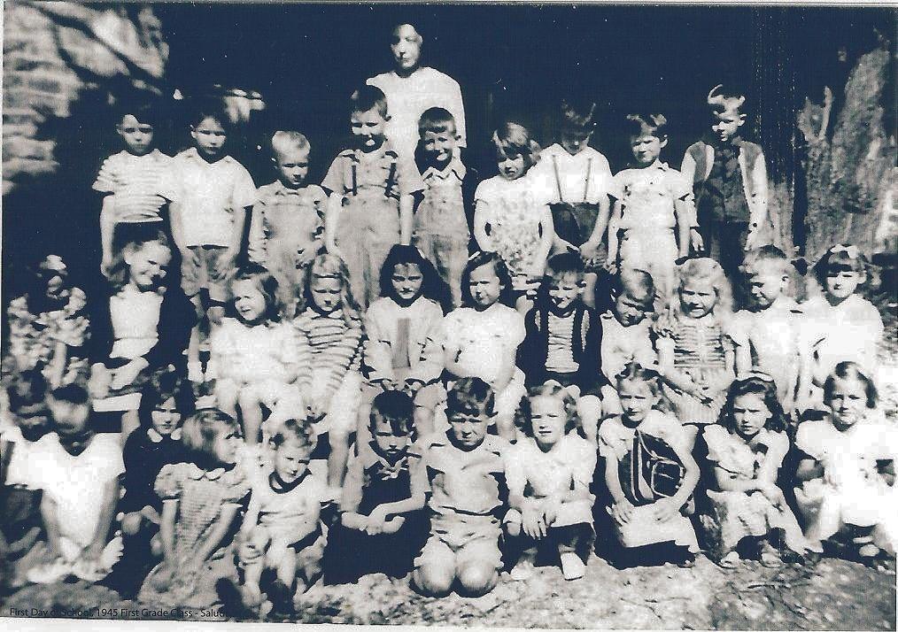 Saluda_School_First_Grade_1945